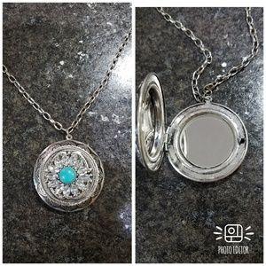 Jewelry - Pendant Locket Necklace Mirro